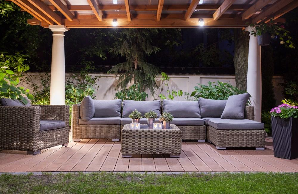 Een loungeset een geschikt geschenk voor valentijn home deco alles over woon interieur - Overdekte patio pergola ...